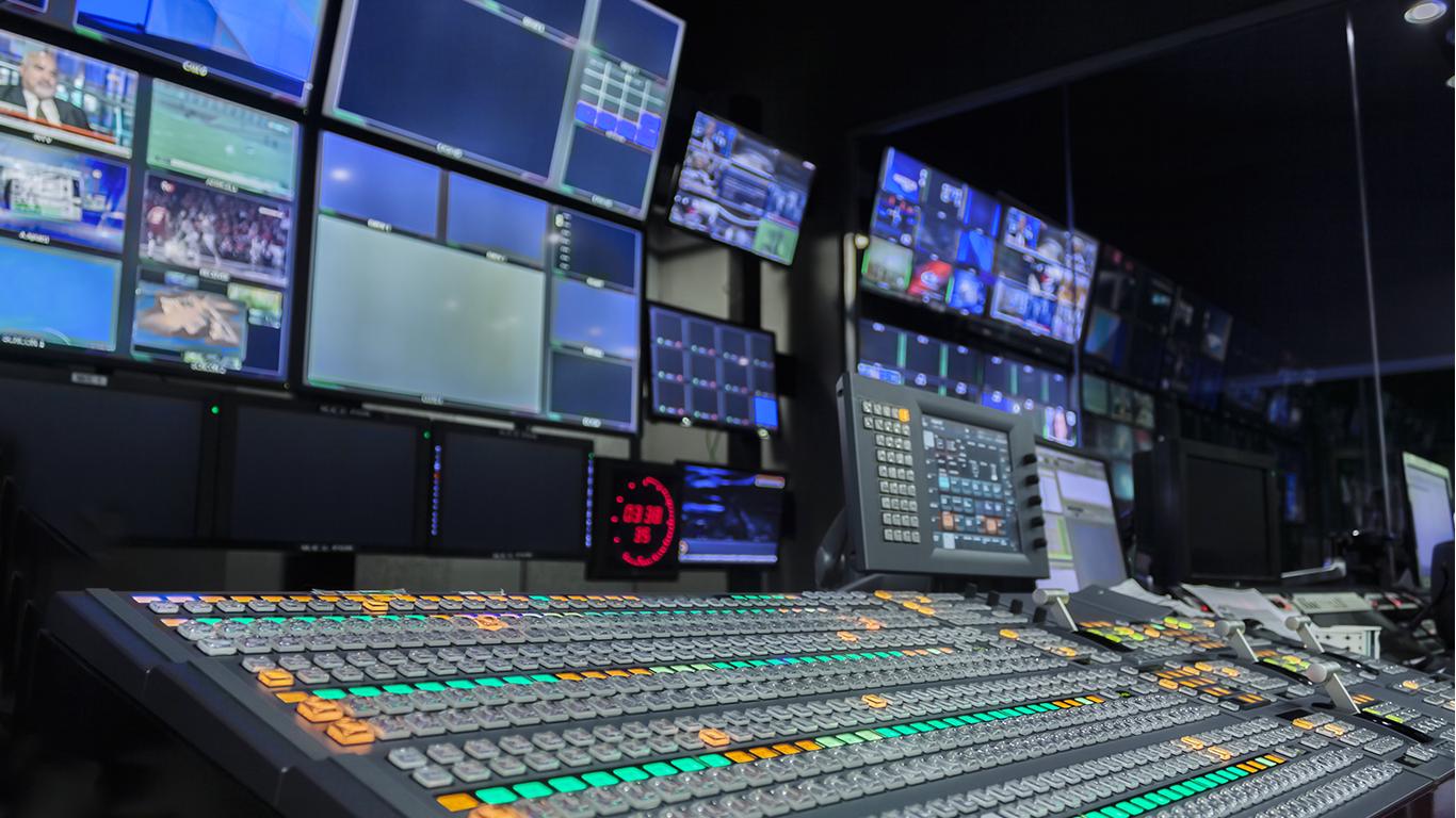 Regie bei einer Liveuebertragung, Regieraum, Monitoring, Messe, Live-Event, Veranstaltungstechnik, Videotechnik, Medientechnik, HD-Event, GmbH